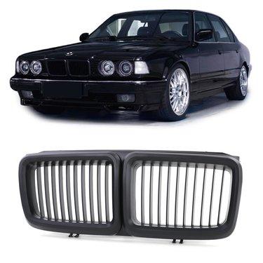 Mat zwarte BMW 7 serie E32 nieren