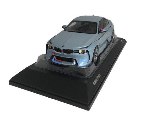 BMW Hommage 2002 Ice Blue 1:18 schaalmodel origineel BMW