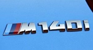 BMW 1 serie F20 en F21 M140i logo origineel BMW